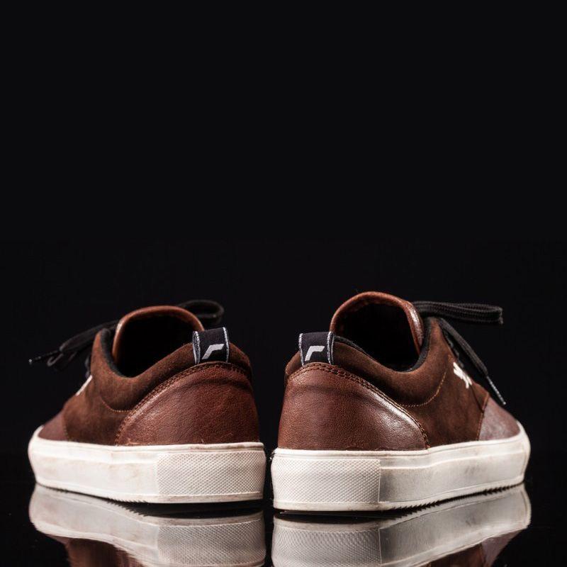 Imagen trasera retro-skate-sneakers-bufalo-hombre