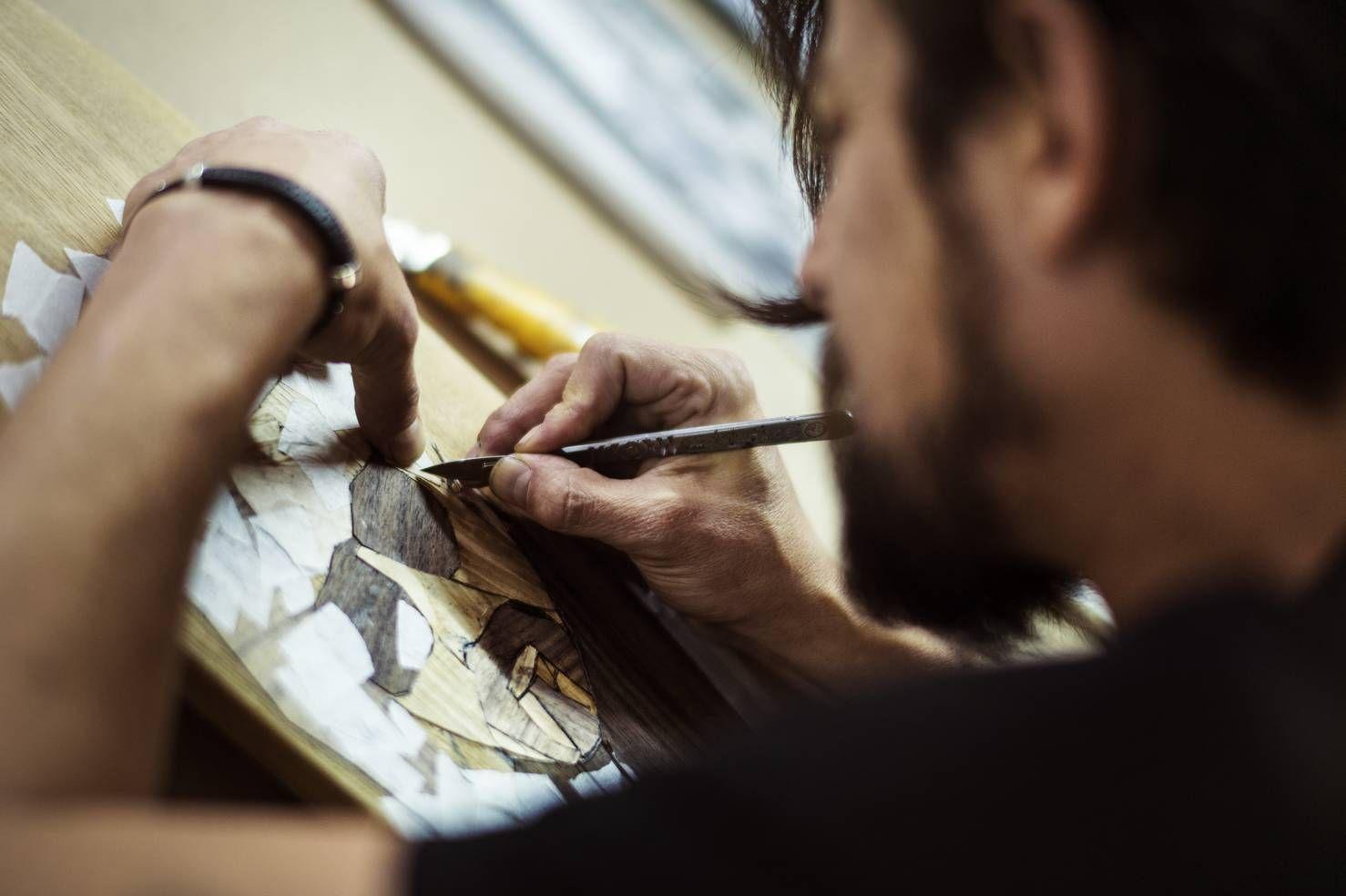 Ilustrador Ebeno Pinto/Long Days/Longboard